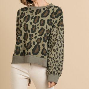 Umgee Colored animal Print Sweater